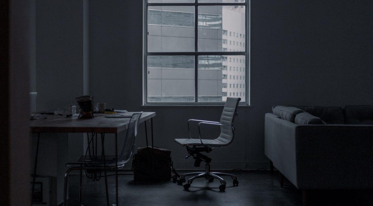 オフィス契約と会社退職