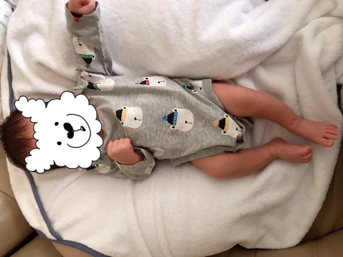 生後24日 乳児湿疹・完全母乳・抱っこ紐